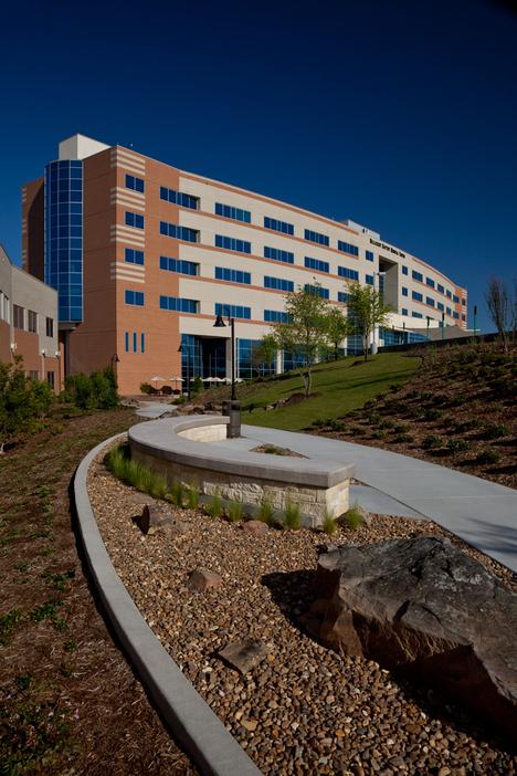 Hillcrest Baptist Medical Center Bosworth Steel Erectors